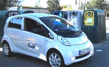 Peugeot iOn elektromos kisautó.